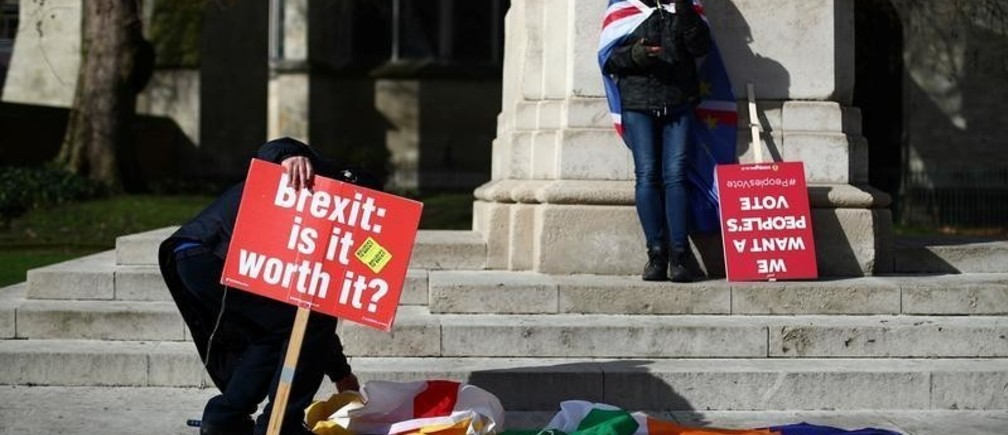 Anti-Brexit demonstrators protest outside the Houses of Parliament, in Westminster, London, Britain March 4, 2019. REUTERS/Hannah McKay - RC119C32DD50