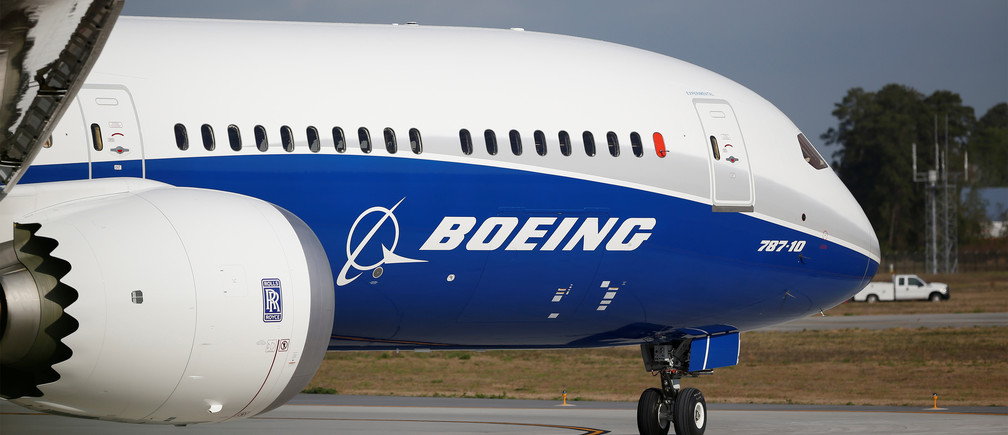 The new Boeing 787-10 Dreamliner taxis on the runway during it's first flight at the Charleston International Airport in North Charleston, South Carolina, United States March 31, 2017.  REUTERS/Randall Hill - RTX33JNB