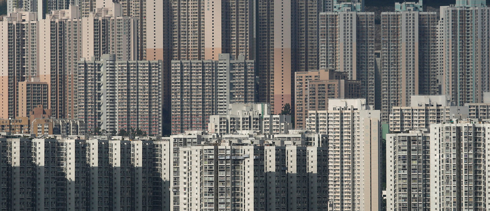 Public and private housing blocks are seen in Hong Kong October 6, 2016. Picture taken October 6, 2016.  REUTERS/Bobby Yip - RC12B1DEFB00