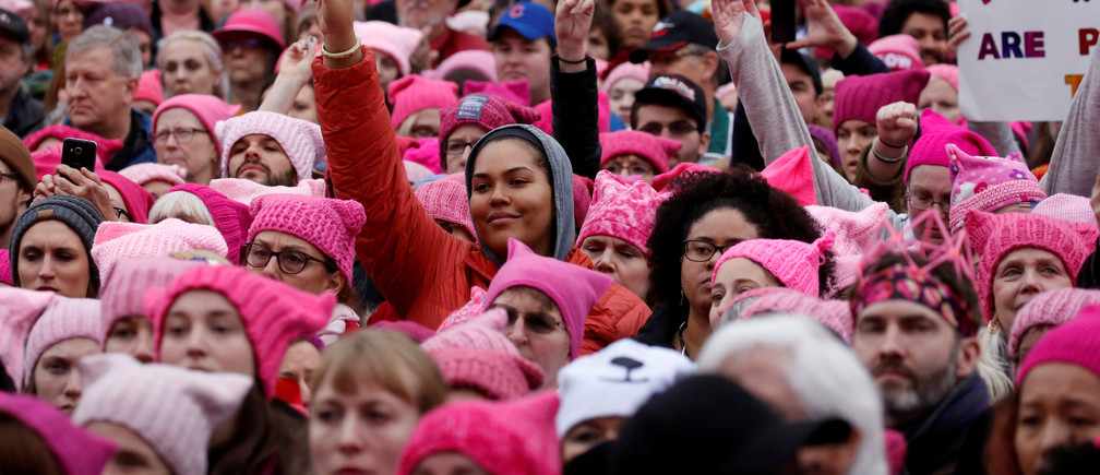 People gather for the Women's March in Washington U.S., January 21, 2017. REUTERS/Shannon Stapleton     TPX IMAGES OF THE DAY - RC1F6CDD8B00