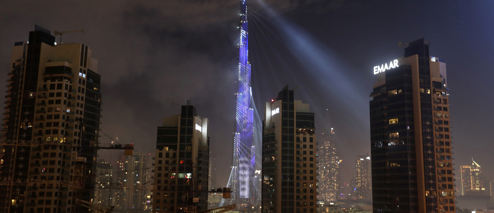 The Burj Khalifa is lit up during New Year celebrations in Dubai, United Arab Emirates, January 1, 2019. REUTERS/ Hamad I Mohammed - RC1B11D857D0