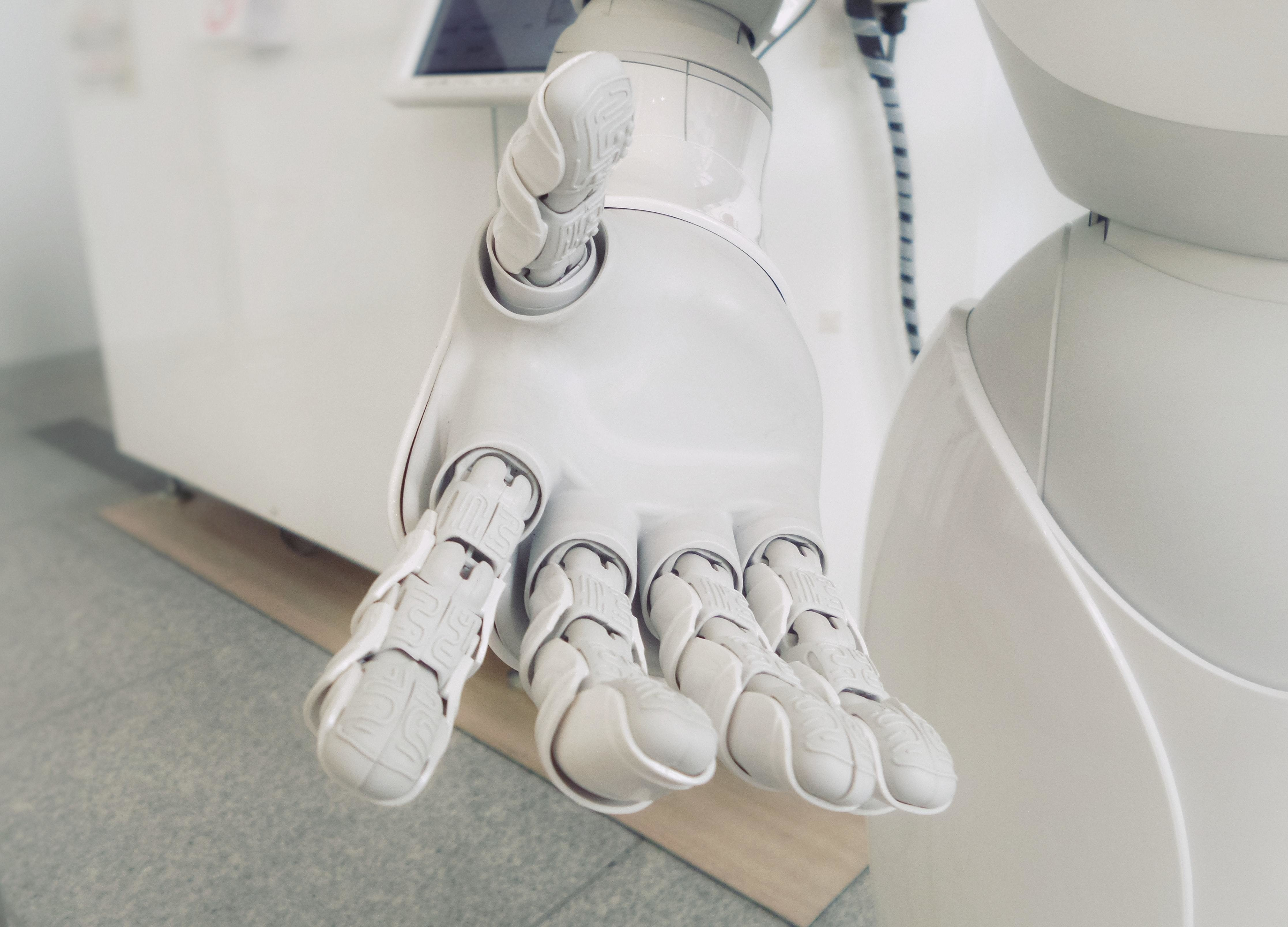 AI: Intelligent machines and algorithms - cover