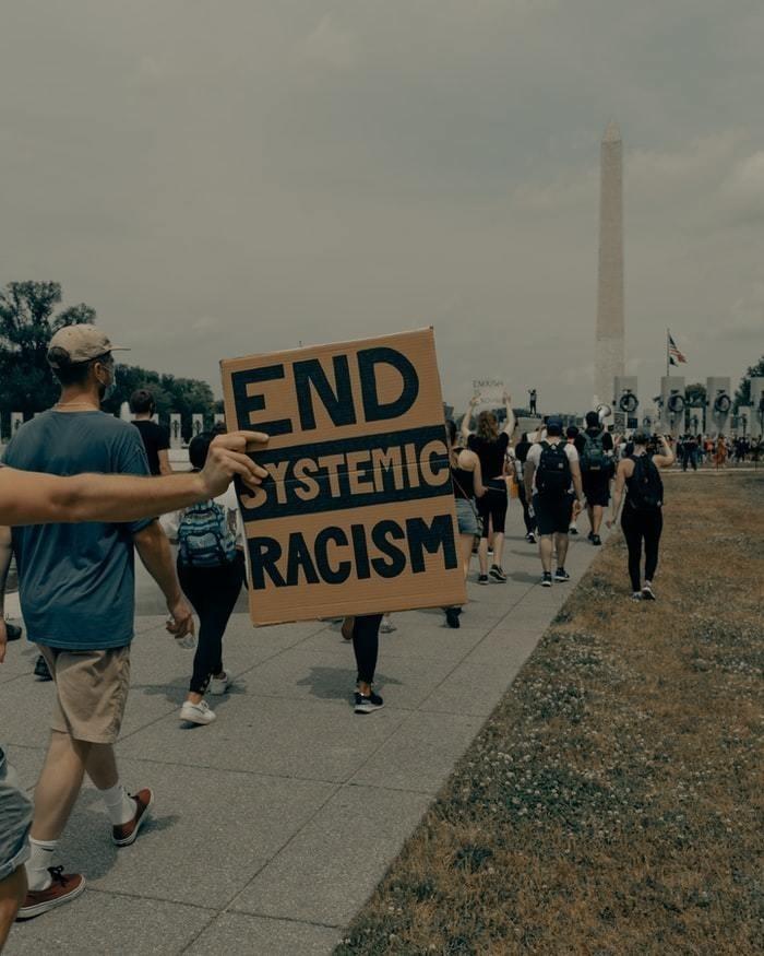 El racismo sistémico sigue siendo un problema mundial.