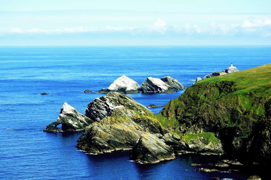 image of the coast along part of the Shetland islands