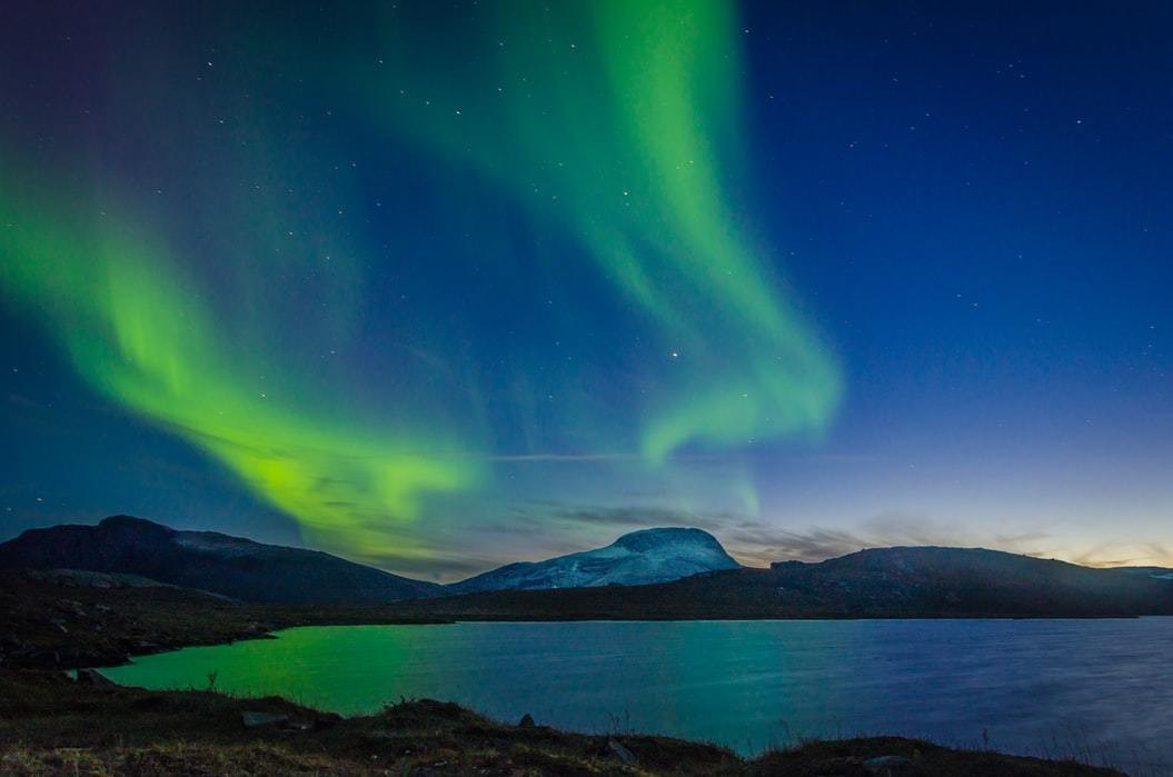 image of northern lights which are caused by solar flares