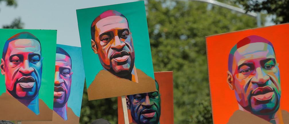 Ha pasado un mes desde que el asesinato de un afroamericano desarmado por la policía provocó un escándalo mundial.