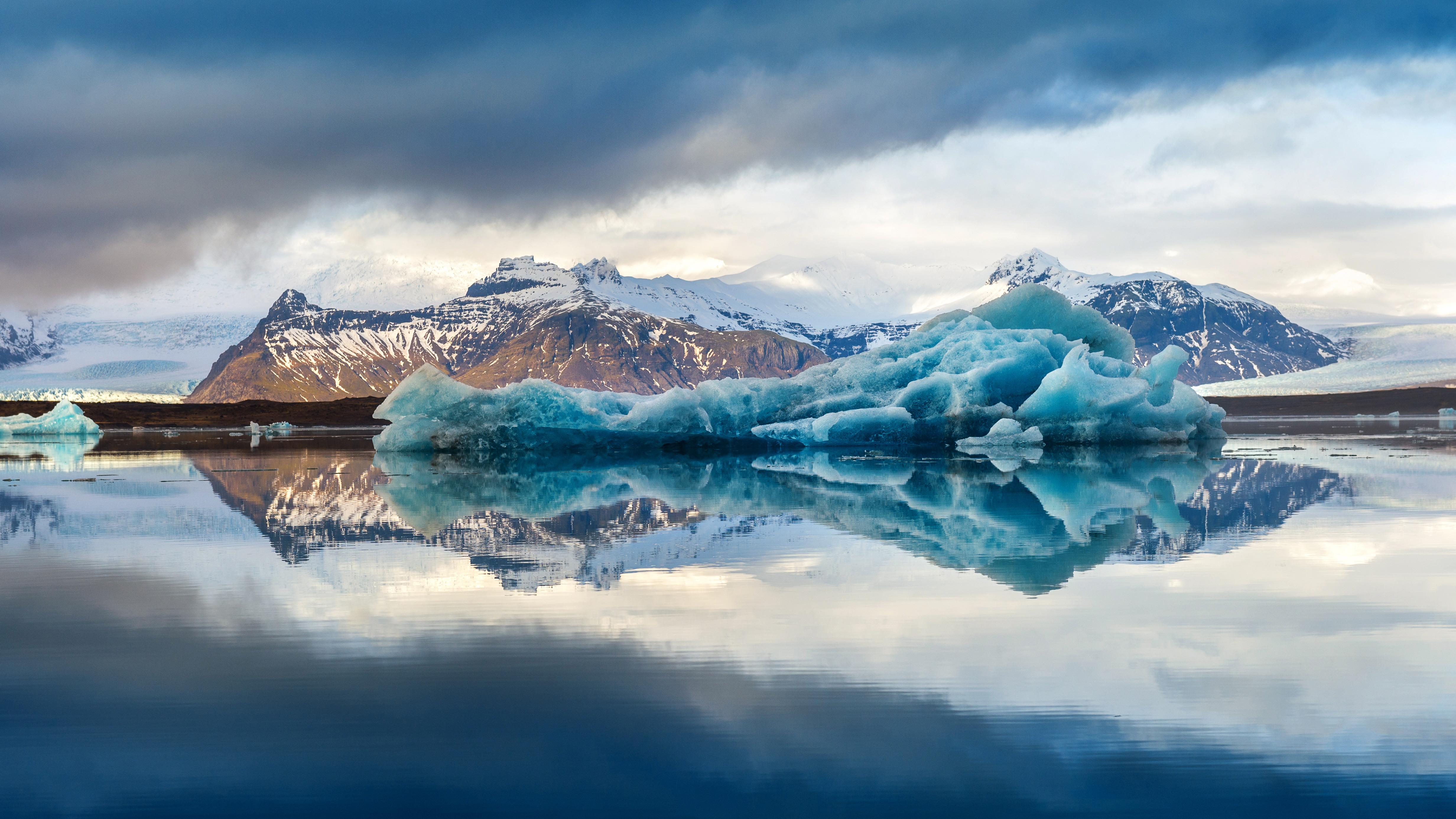 Icebergs in Jokulsarlon glacial lake, Iceland.