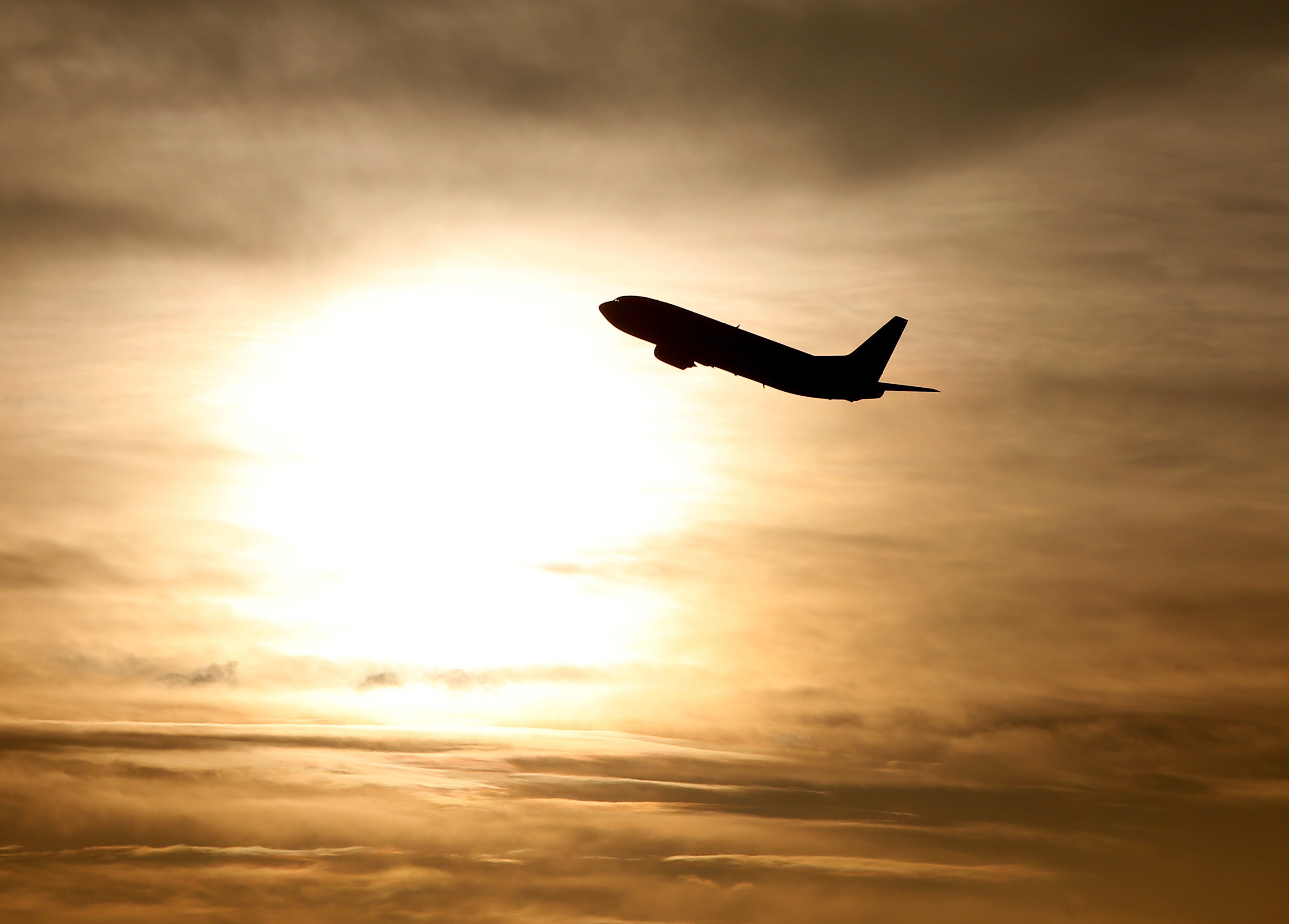 Airline emissions could rocket 700% by 2050 – so how do we reverse the  trend when passenger numbers are climbing? | World Economic Forum