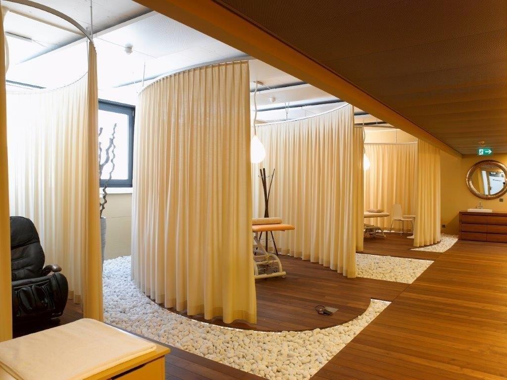 google's zurich office has a junglethemed meeting room  world  - image bi