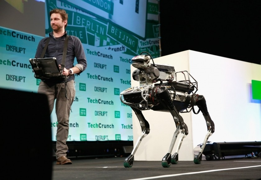 Un robot de l'entreprise Boston Dynamics présenté au TechCrunch Disrupt London 2016.