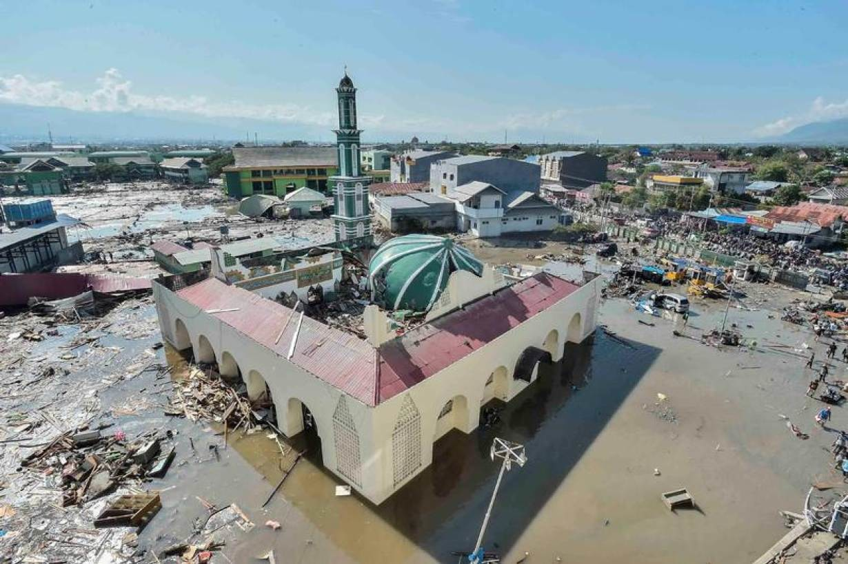 An aerial view of the Baiturrahman mosque which was hit by a tsunami, after a quake in West Palu, Central Sulawesi, Indonesia September 30, 2018 in this photo taken by Antara Foto.