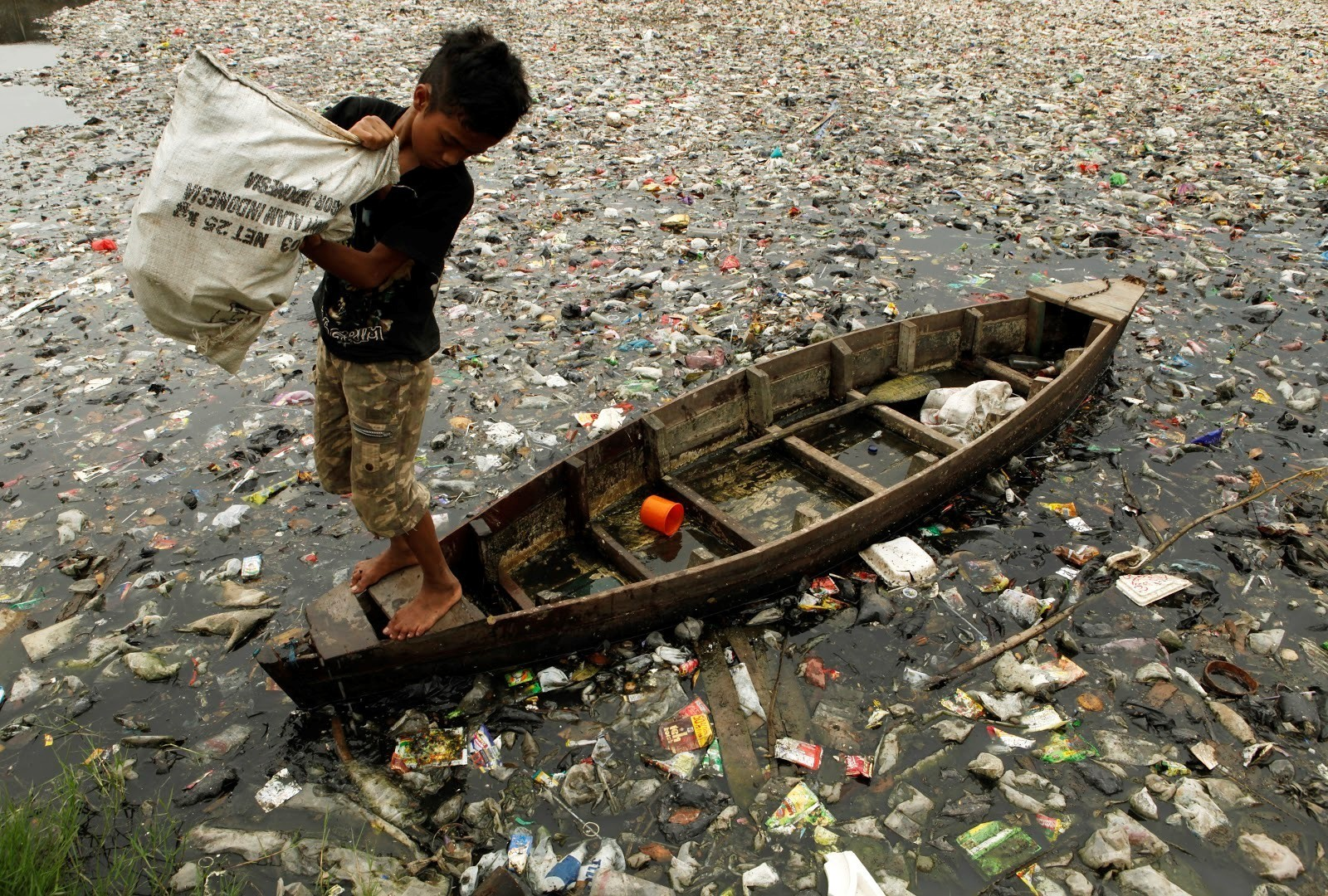 Every 20 minutes, the equivalent of a 10-tonne truckload of plastic is dumped into the sea in Indonesia.