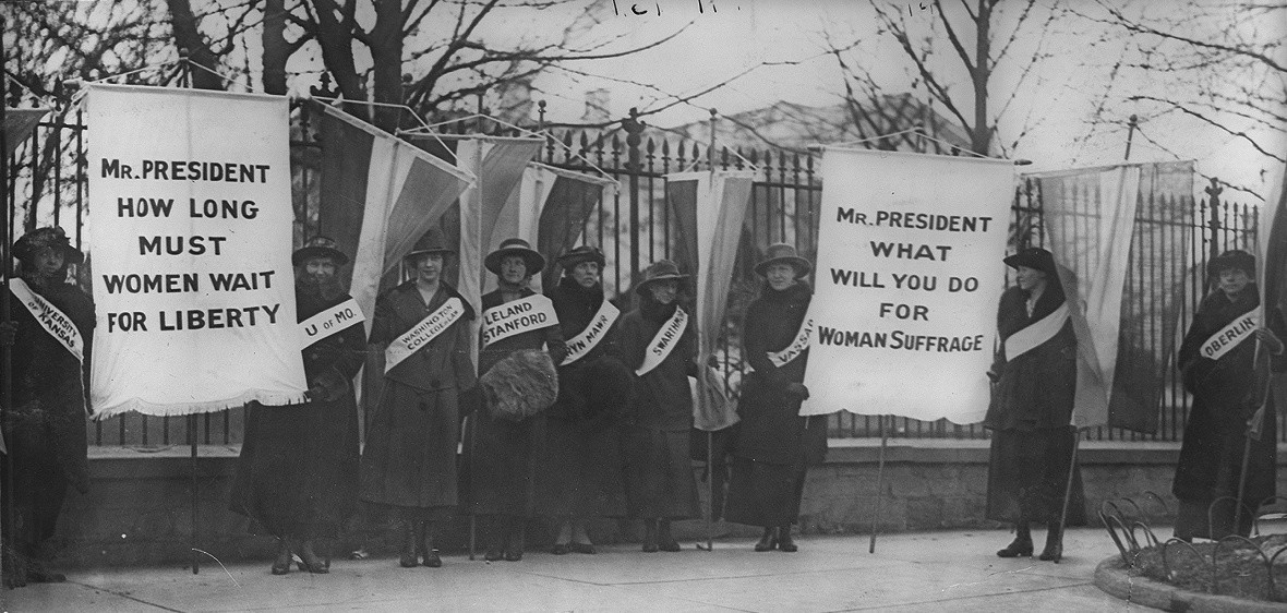 Women suffragists picketing in front of the White house, 1917