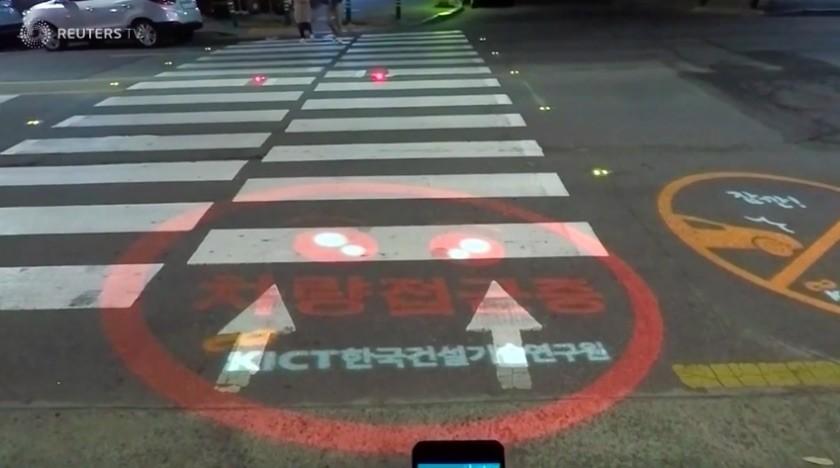 Des lasers alertent les piétons de la présence de voitures.