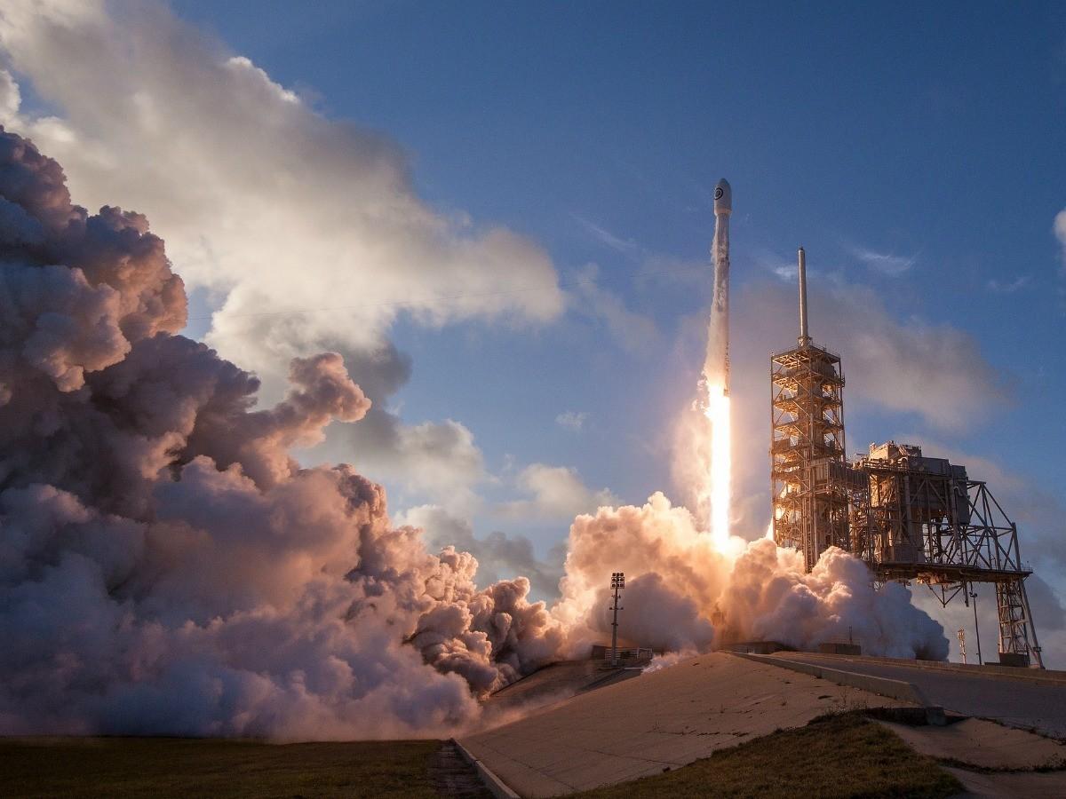 Le lancement de la dernière fusée Falcon 9 de SpaceX le 1er mai 2017.