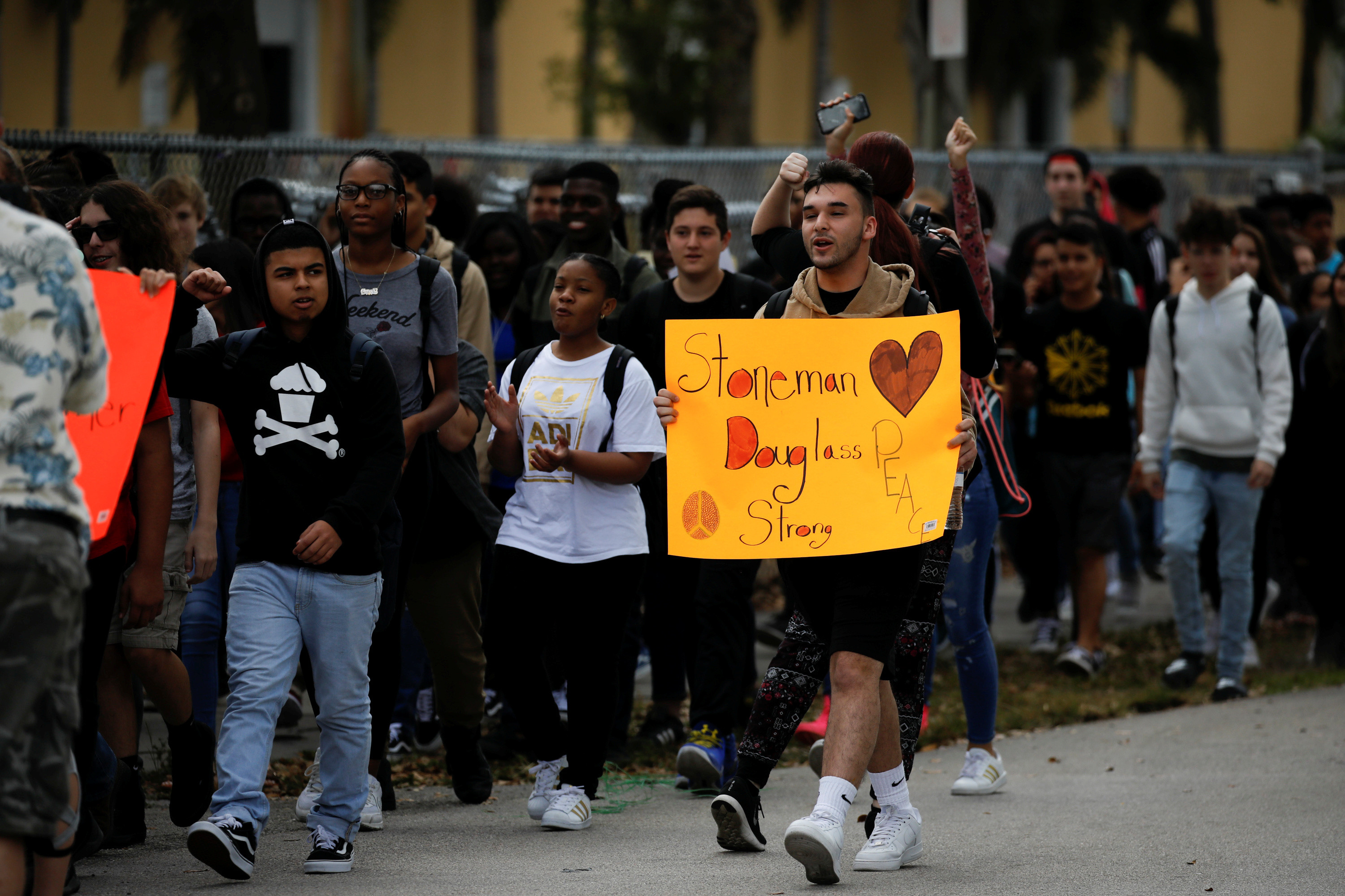 Students in Florida march in support of gun control.
