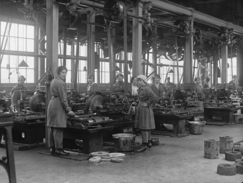 Women workers in the New Gun Factory Woolwich