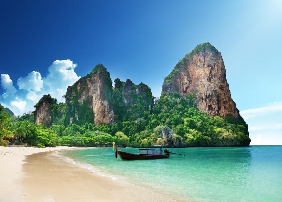 Si paradisiaque qu'elle en paraît irréelle : Railay Beach en Thaïlande