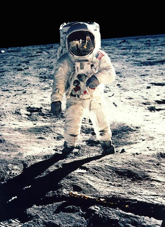 Edwin 'Buzz' Aldrin, moon-walking