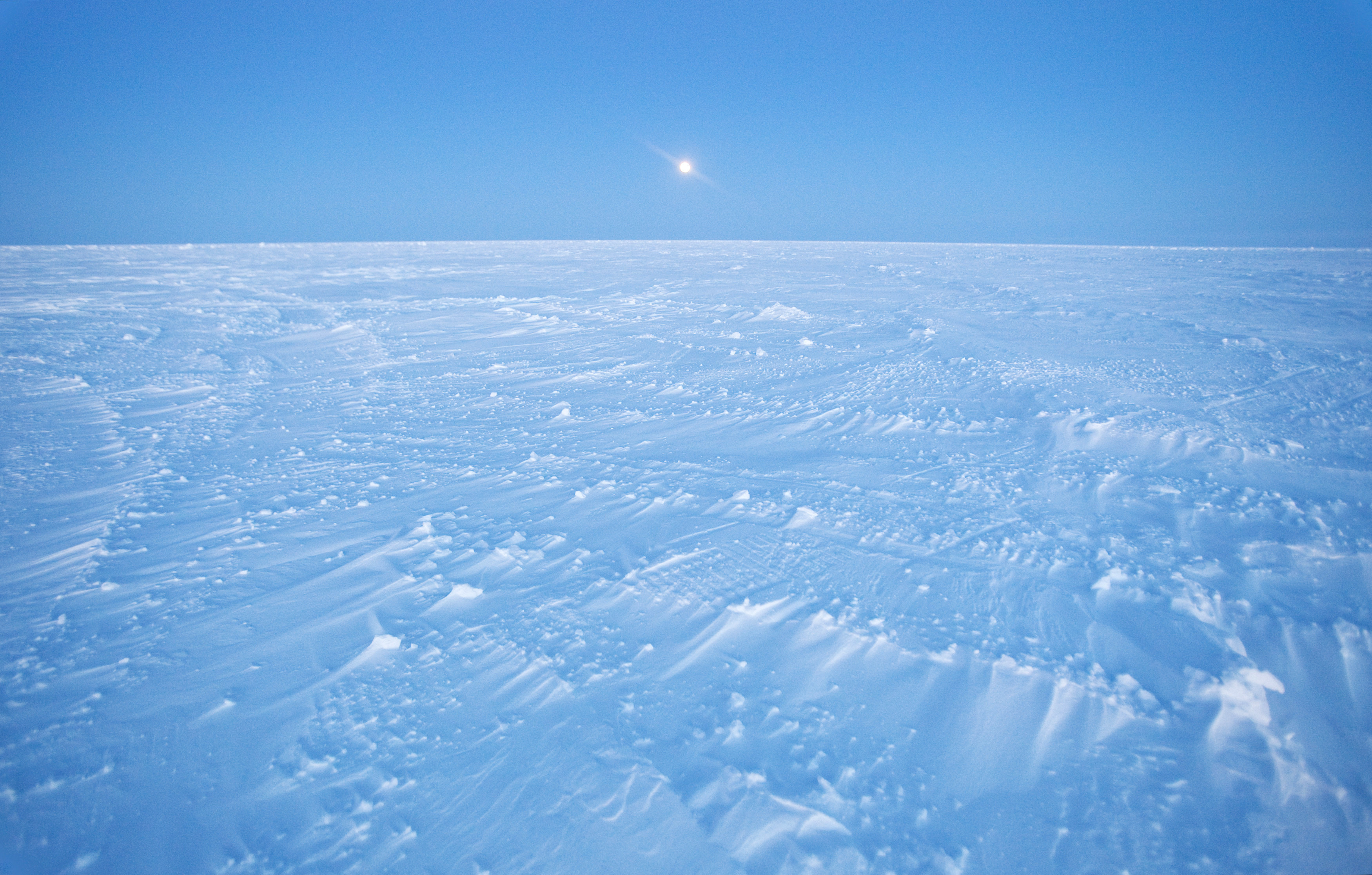 Wind patterns are left in the ice pack that covers the Arctic Ocean north of Prudhoe Bay, Alaska March 18, 2011.  REUTERS/Lucas Jackson (UNITED STATES - Tags: ENVIRONMENT) - GM1E73M16SU01
