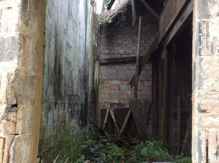 An abandoned building in Anhui province – a typical scene in non-listed rural villages.
