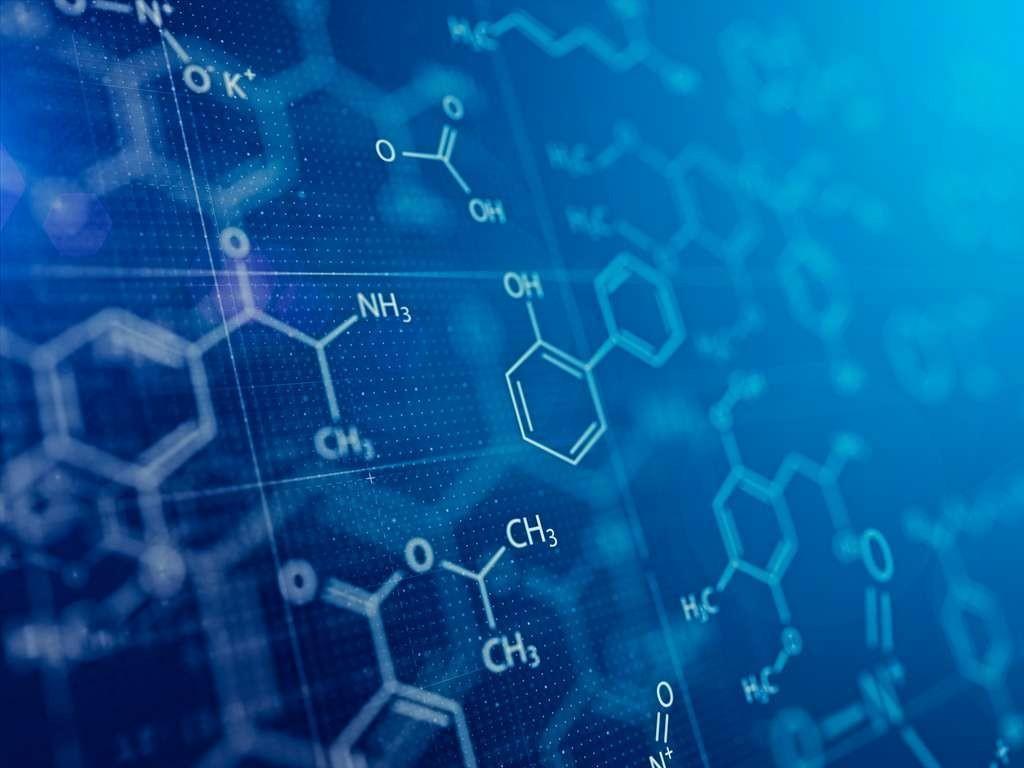 Les algorithmes passent au crible des milliards de molécules potentielles, générant des économies d'argent et de temps considérables pour la mise au point des médicaments.