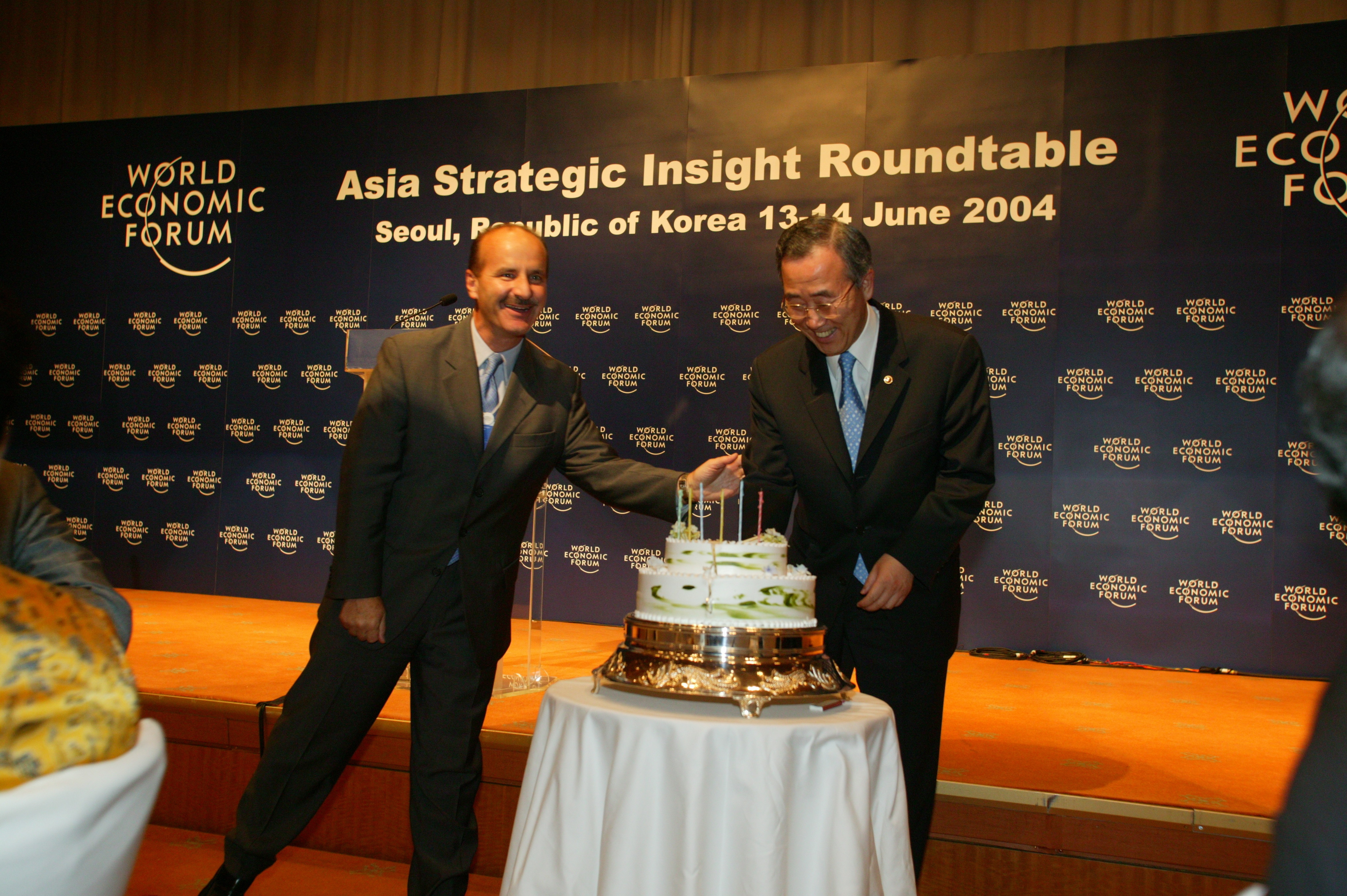Ban Ki Moon, Minister of Foreign Affairs and Trade of the Republic of Korea, celebrating his birthday at the Welcome Reception
