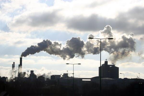 Trois des compagnies pharmaceutiques les plus rentables ont des émissions de gaz à effet de serre parmi les plus faibles.