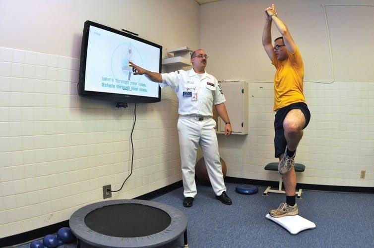 Thérapie avec yoga dans un hôpital militaire américain.