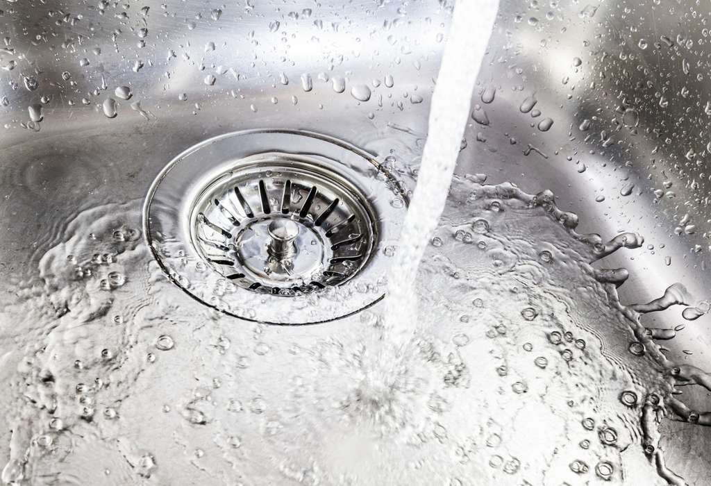 Un robinet qui coule pendant une minute fait perdre 12 litres d'eau !