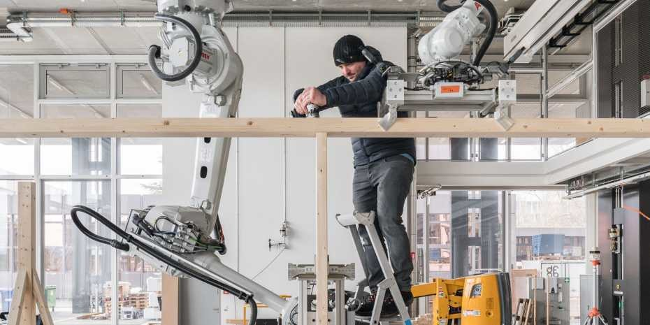 At Spatial Timber Assemblies, man and machine work together in both the planning and the manufacturing process.