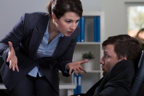 Le harcèlement vertical ascendant peut conduire à des activités de sabotage du travail