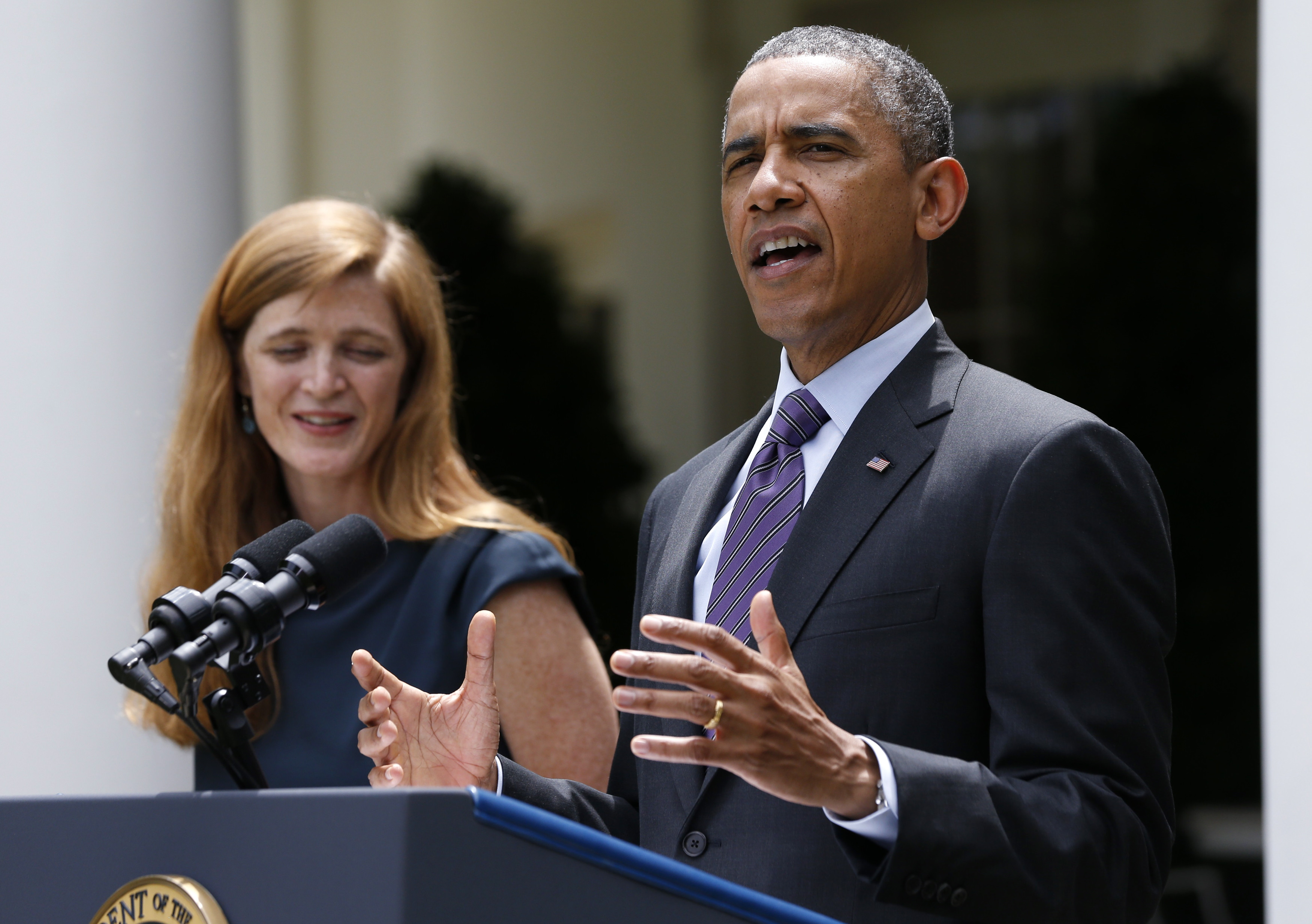 U.S. President Barack Obama announces the nomination of Samantha Power (L) to replace Susan Rice as U.N ambassador, in the Rose Garden of the White House in Washington, June 5, 2013. Obama earlier announced the appointment of Rice as national security advisor. REUTERS/Jason Reed (UNITED STATES  - Tags: POLITICS)  - TB3E9651HN1LK