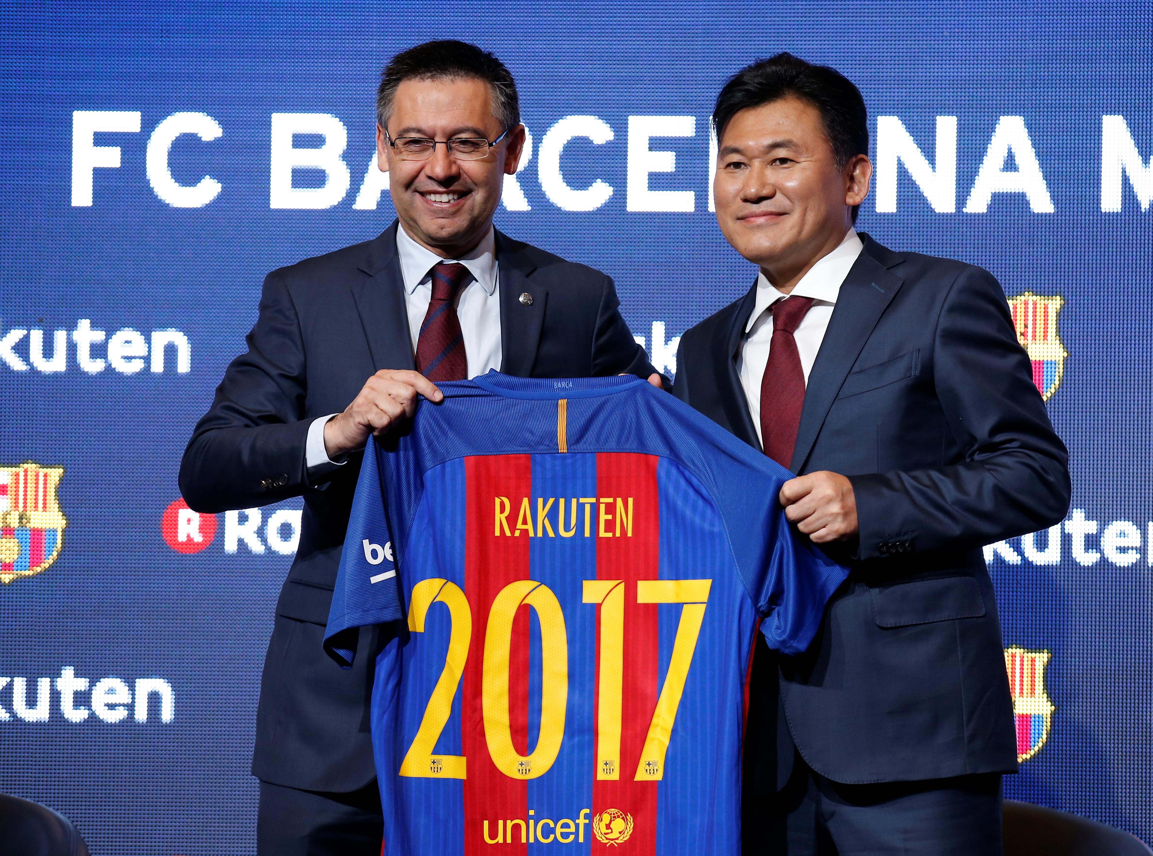 FC Barcelona's President Josep Maria Bartomeu and Rakuten's President and CEO Hiroshi Mikitani