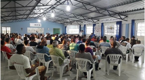 Inmates listen to lectures during their time in APAC prisons.
