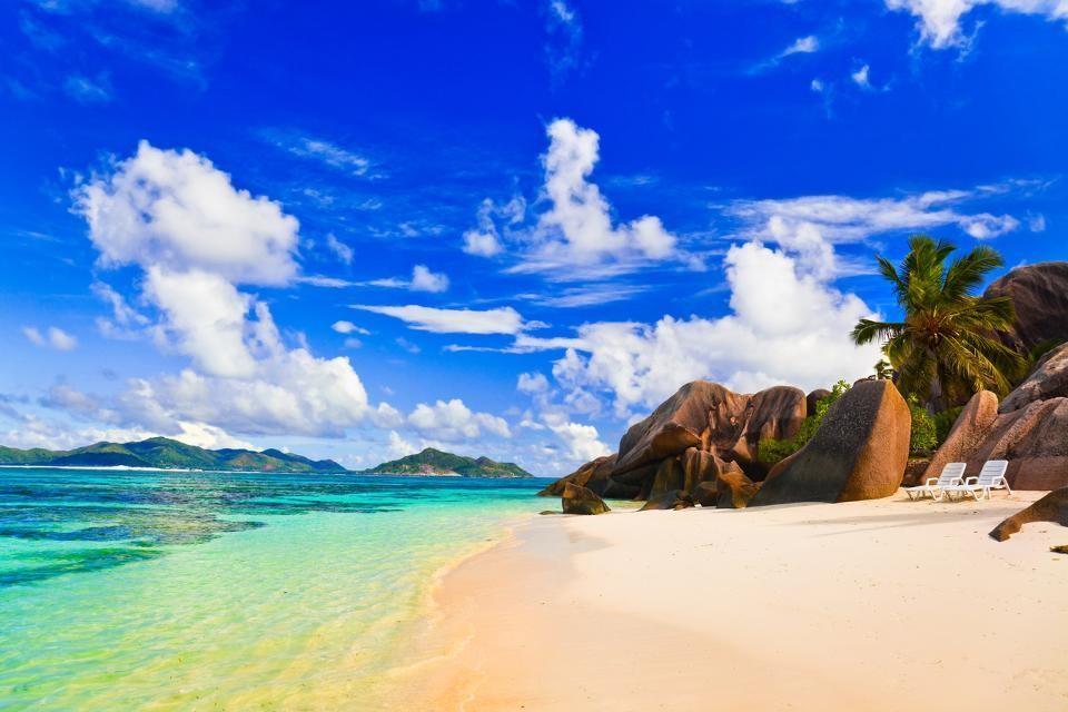 La plage Anse Source d'Argent aux Seychelles, aussi appelée paradis