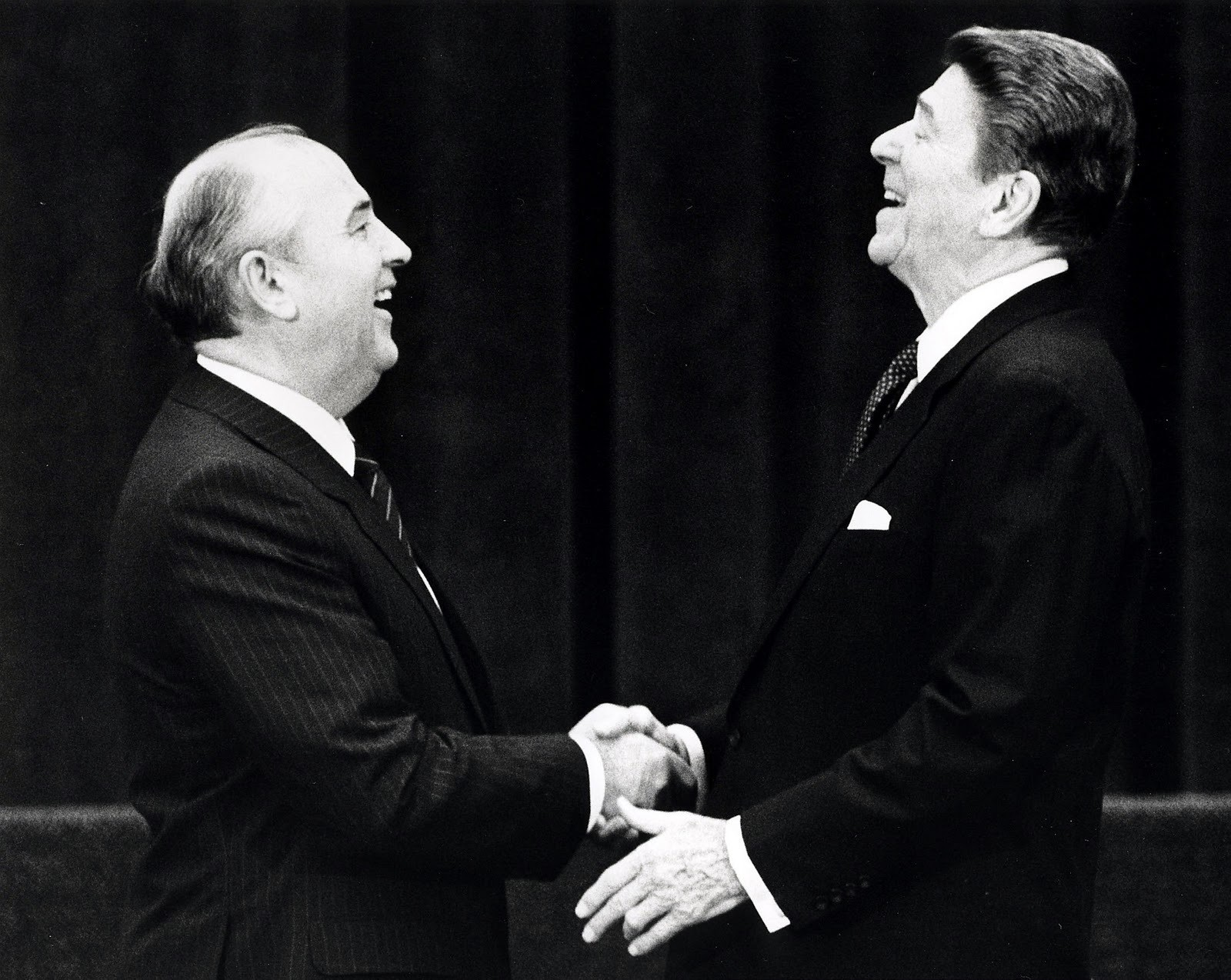 U.S. President Ronald Reagan (R) shakes hands at his first meeting with Soviet leader Mikhail Gorbachev to sign an arms treaty in Geneva, in this November 19, 1985 file photo. The two leaders met for the first time to hold talks on international diplomatic relations and the arms race.  REUTERS/Denis Paquin/Files (SWITZERLAND - Tags: POLITICS PROFILE TPX IMAGES OF THE DAY)ATTENTION EDITORS - THIS PICTURE IS PART OF PACKAGE '30 YEARS OF REUTERS PICTURES'TO FIND ALL 56 IMAGES SEARCH '30 YEARS' - LM2EB2A0WGZ01