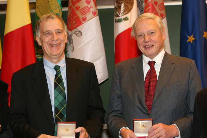 Prof Ralph Cicerone and Sir David Attenborough receiving their WCC awards in 2004.