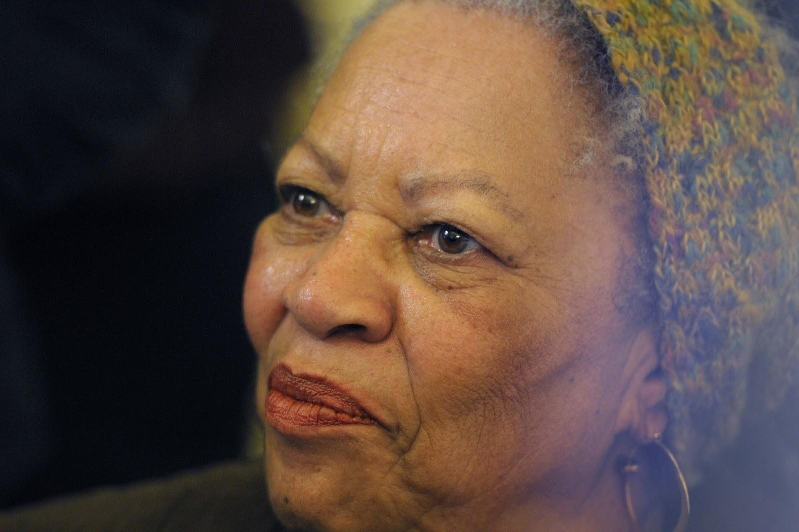 U.S. author Toni Morrison poses after being awarded the Officer de la Legion d'Honneur, the Legion of Honour, France's highest award, during a ceremony at the Culture Ministry in Paris November 3, 2010.  REUTERS/Philippe Wojazer  (FRANCE - Tags: POLITICS SOCIETY HEADSHOT) - PM1E6B315PZ01