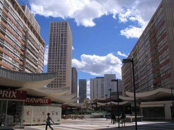 Dans le quartier des Olympiades, à Paris. L'emplacement et la forme des immeubles influencent l'îlot de chaleur urbain.