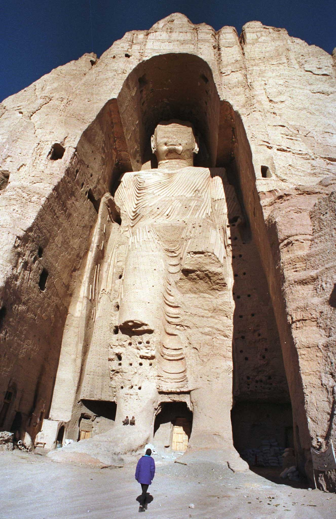 Swiss campaigners hoping to reconstruct one of two ancient Buddhastatues destroyed by the Taliban said on November 21, 2001 that theplan could offer a much-needed symbol of hope to Afghanistan. The55-meter-high (180 feet) Buddha statue in Bamiyan town in centralAfghanistan is shown on Dec. 22, 1997 before its destruction earlierthis year. REUTERS/Muzammil PashaRC/SV - RP2DRIQPZBAA