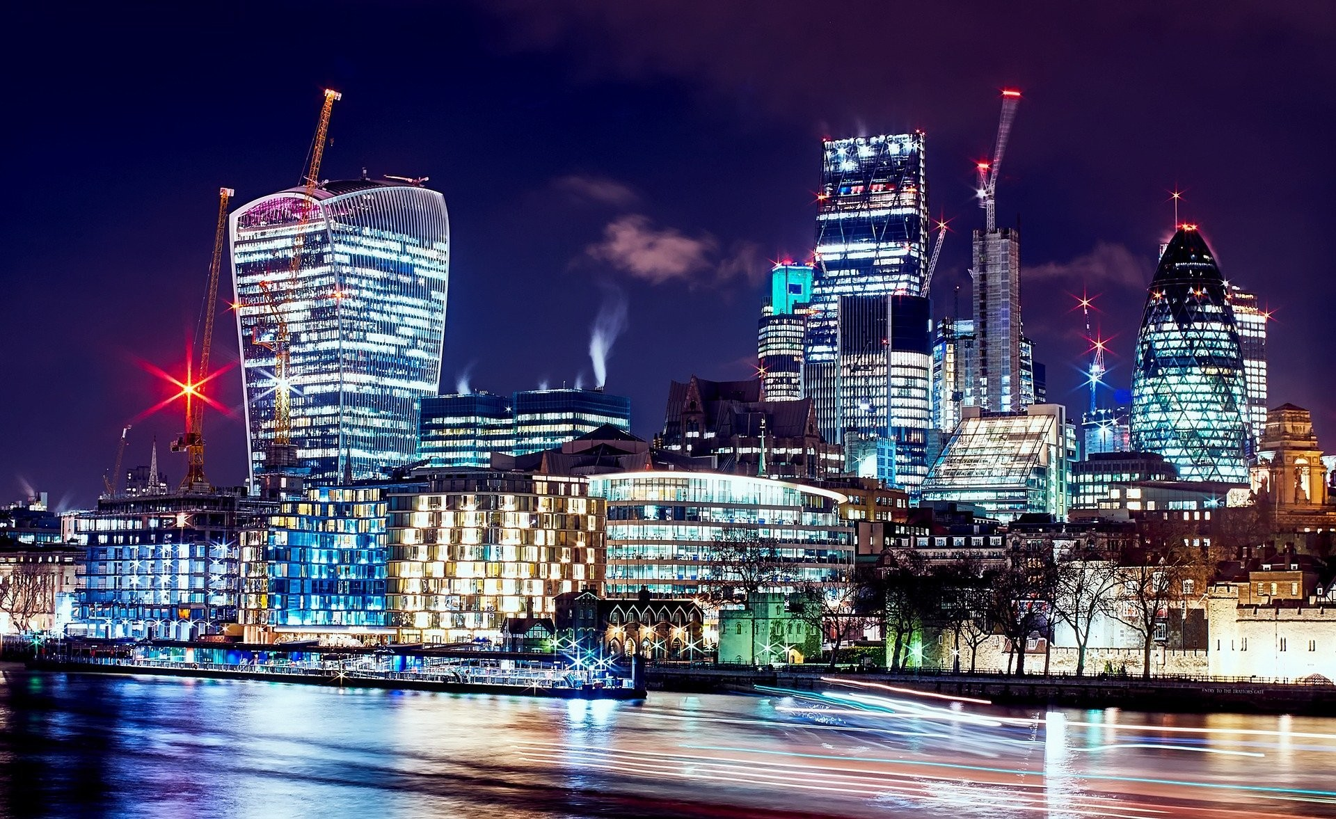 Three-quarters of euro-dominated derivatives are traded in London.