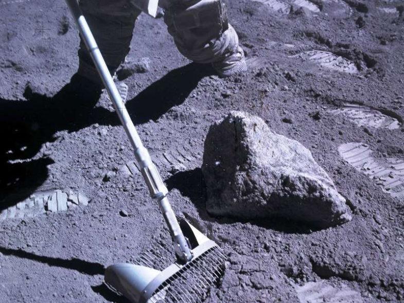 Régolithe sur la Lune.