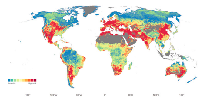Map of the world showing risk of poor water quality.