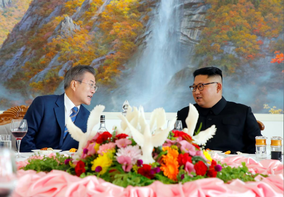 South Korean President Moon Jae-in and North Korean leader Kim Jong Un attend a luncheon in Pyongyang, North Korea, September 19, 2018.