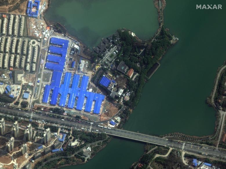 SETELAH: Rumah Sakit Huoshenshan, Wuhan, Cina, 22 Februari 2020. Citra satelit 2020 Maxar Technologies / Handout via REUTERS