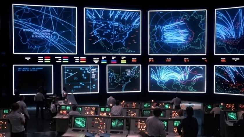 Dans le film Wargames (1983), une IA défaillante est au bord de déclencher une guerre nucléaire mondiale.